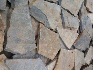piatra natura poligonala