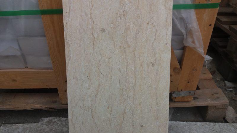 Marmura lustruita 60×30 – 120 RON