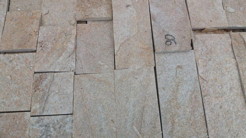 Piatra naturala decorativa fasonata crem – 90 RON